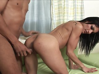 Brunette Justin Long with huge breasts is a slut who knows what to do with dudes erection