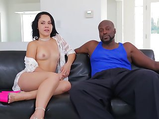 Lex Steele enjoys fuck crazed Kristina Rose's wet hole in sex action