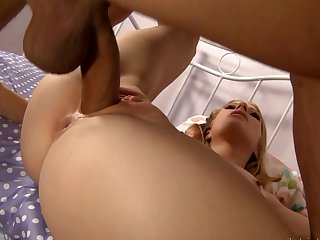 Teen hooker eat Will Powers's sausage with wild passion