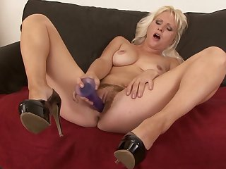Blonde Kathy Anderson gets pleasure with hard love stick in her mouth