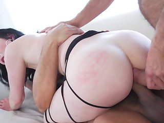 Veruca James gets her mouth stretched by meaty hard ram rod of hot fuck buddy