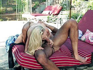 Blonde spends her sexual energy with hard worm in her mouth
