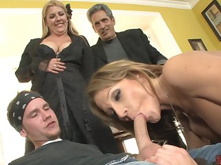 Blonde Nikki Sexx with juicy breasts gets orally fucked by Sonny Hicks s thick mouth stretcher