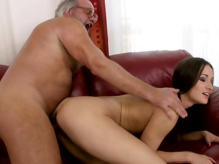 Teen has blowjob experience of her lifetime with hard cocked guy