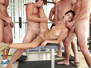 Brunette turns dude on to make him unload his gun