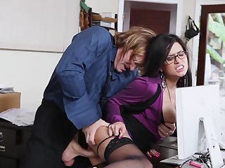 Evan Stone is horny as hell and can't wait any more to screw fabulously hot Eva Angelina's mouth