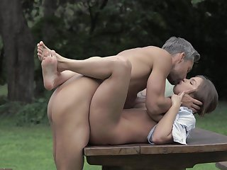 Brunette with bubbly butt eat dude's love torpedo with wild desire