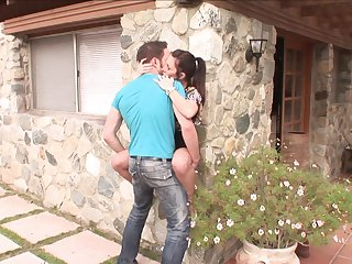 Wolf Hudson gets pleasure from fucking Brunette Rayveness in her hot mouth