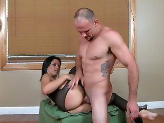 Tattooed senora Jmac with big booty and clean bush gives throat job to hot bang buddy