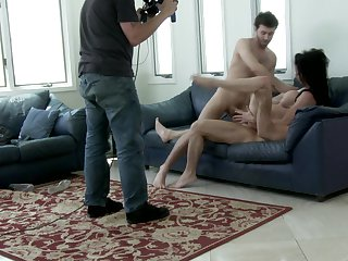 Brunette Veronica Avluv enjoys John Strong's thick sturdy rod in her warm mouth