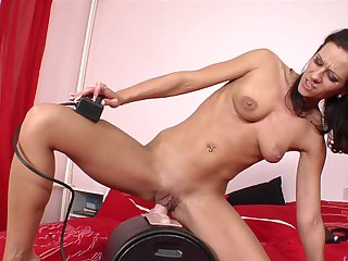 Brunette kills time stroking her wet hole