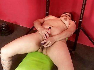Mature is ready to dildo fuck her bush on cam from dusk till dawn